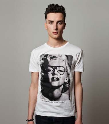 http://www.smileandjoke.com/240-thickbox_01prem/marilyn-monroe-tshirt-homme-smile-and-joke.jpg