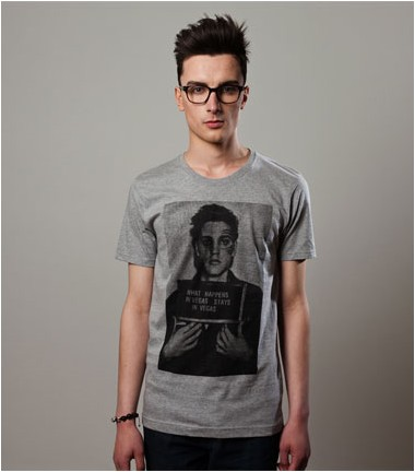 http://www.smileandjoke.com/323-thickbox_01prem/t-shirt-the-king-elvis-presley-homme-smile-and-joke.jpg