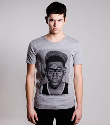 http://www.smileandjoke.com/417-thickbox_01prem/t-shirt-tyler-homme-smile-and-joke.jpg