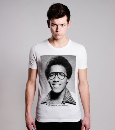 http://www.smileandjoke.com/439-thickbox_01prem/young-barack-obama-tshirt-for-men-smile-and-joke.jpg
